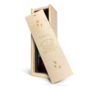Wine in engraved case - Belvy - red