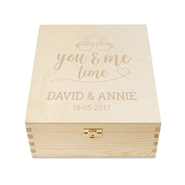 Wooden tea box with engraved lid