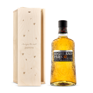 Whisky in engraved case - Highland Park 12 Years